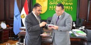 رئيس جامعة حمدان بن محمد الإماراتية يزور جامعة الإسكندرية لتفعيل الماجستير المشترك