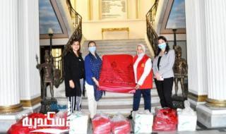 رئبسة لجنة البيئة تقوم بتسليم اكياس النفايات الخطرة الى مركز صحة المراة