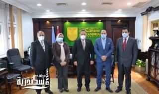 رئيس جامعة الإسكندرية يستقبل فريق الاعتماد الدولي للمعامل