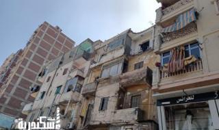 حملة مكبرة لإزالة أجزاء من عقار قديم بمنطقة مينا البصل