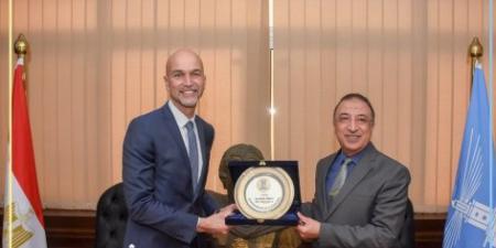 المحافظ يستقبل  قنصل عام فرنسا بالإسكندرية لبحث سبل توطيد التعاون والتواصل بين الجانبين