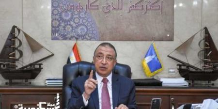 محافظ الإسكندرية ... الضرب بيد من حديد لمنع انتشار القمامة في الشوارع