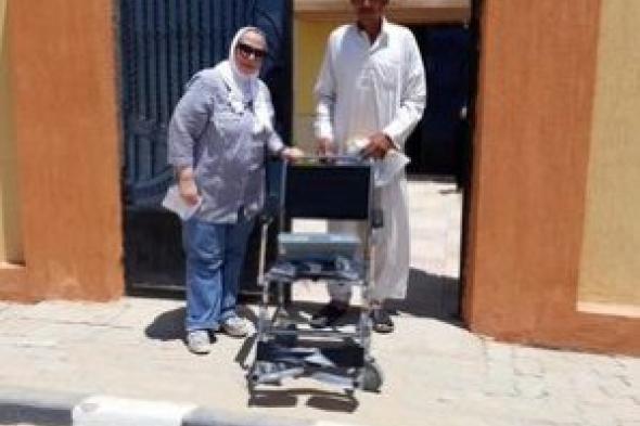 روتارى سان ستيفانو يتبرع بكرسى متحرك لطفلة من ذوى الهمم بجمعية الأحرار
