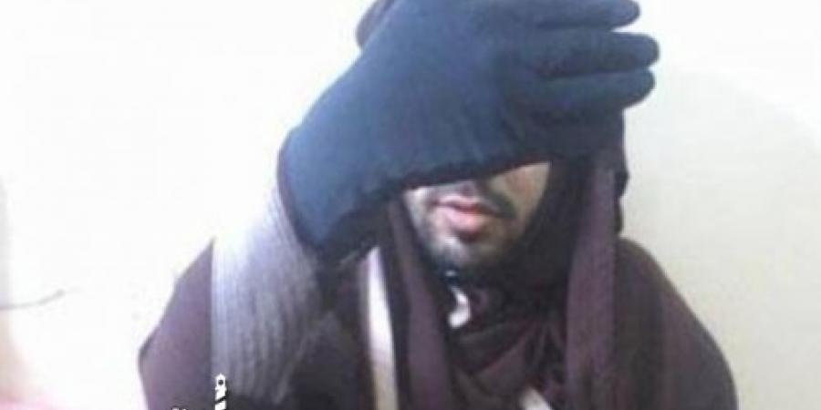القبض على رجل متخفي في نقاب للتحرش بالمارة من النساء في شارع زنقة الستات بالإسكندرية