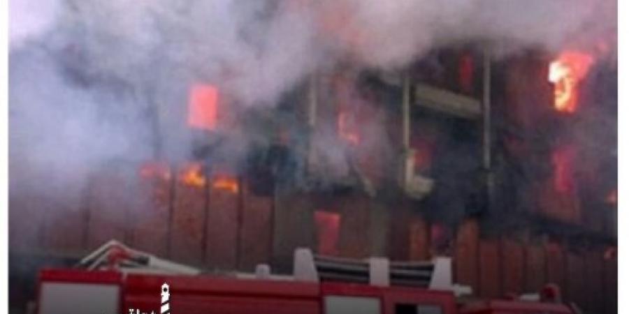 السيطرة على حريق شب في مصنع للبلاستيك بالمنطقة الصناعية الثانية