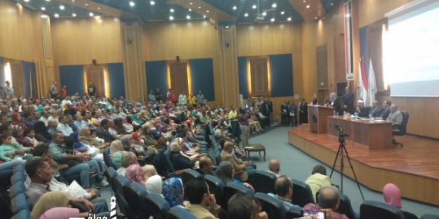 رئيس ميناء الإسكندرية يكرم المتفوقين دراسيا من أبناء هيئة ميناء الإسكندرية