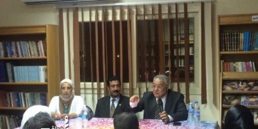 لقاء مع الكاتب الصحفى محمد عبد المجيد بقصر الأنفوشى