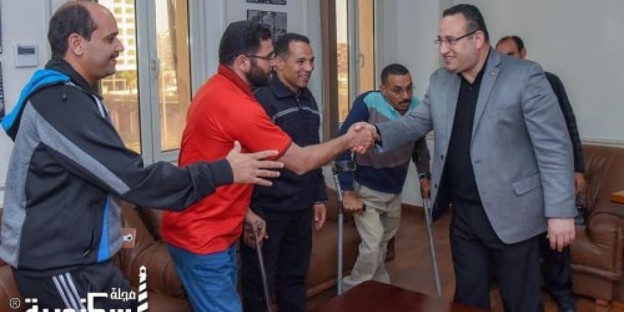 """محافظ الاسكندرية يكرم المشاركين من ذوى الاحتياجات الخاصة في مهرجان رياضي """"إجري لصحتك"""" لدعم المبادرة الرئاسية """"١٠٠ مليون صحة"""""""