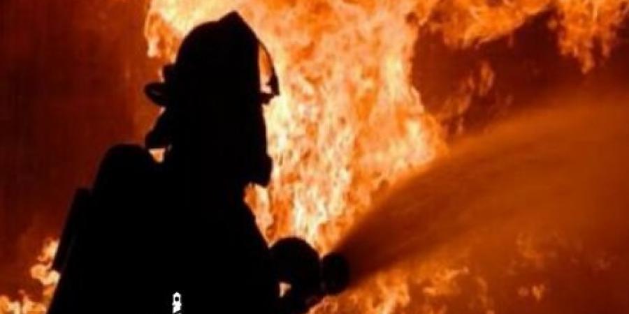 نشوب حريق بورشة ميكانيكا سيارات بشارع أحمد عبد الوهاب في الإسكندرية