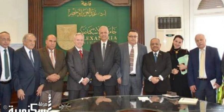 """رئيس جامعة الإسكندرية يبحث التعاون مع """"هارفارد"""" الأمريكية"""