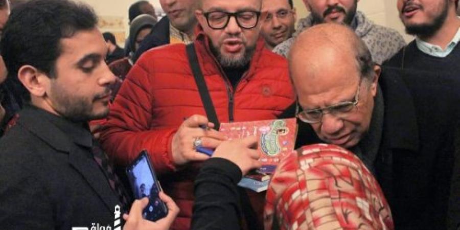 """عمر طاهر فى صالون أوبرا الإسكندريه """"هناك مشكلة تواجه الكتابة المصرية فى الفترة الأخيرة"""""""