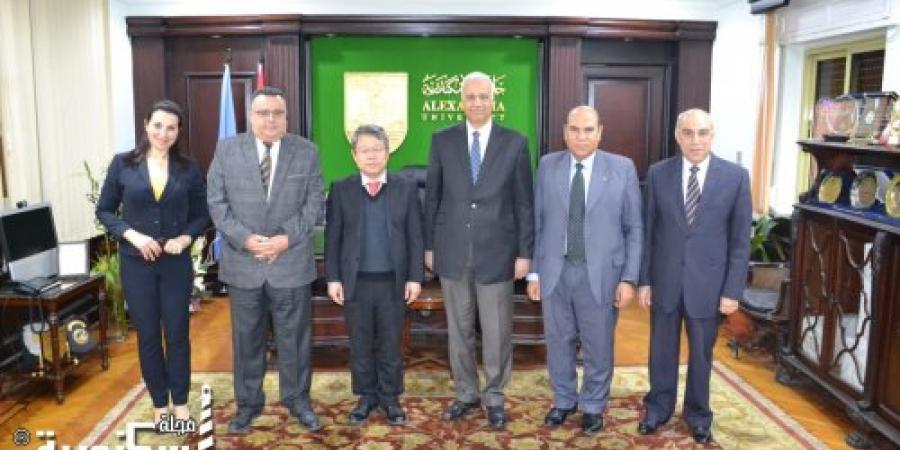 رئيس جامعة الاسكندرية يناقش مع وفد جامعة شنغهاي استعدادات إنشاء معهد كونفوشيوس