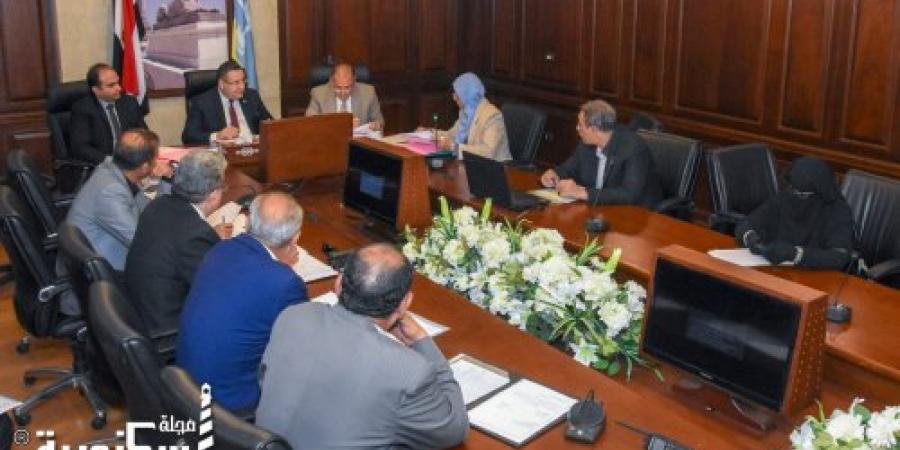 محافظ الإسكندرية : تطبيق الإجراءات القانونية التي تصل لإزالة المنشآت والمباني لغير الملتزمين باستكمال اجراءات التقنين