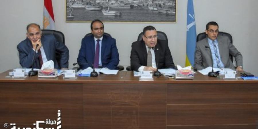المجلس التنفيذي للإسكندرية: غرامة ١٠ ألاف علي معارض السيارات و ١٠٠٠ إلي ٢٠٠٠ جنية علي المقاهي والمحلات المخالفة