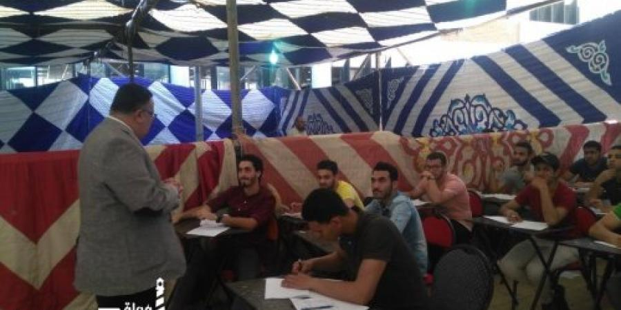 نائب رئيس جامعة الإسكندرية يتفقد سير الامتحانات