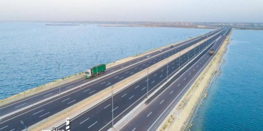 وزير النقل يعلن الانتهاء من تنفيذ مشروع تطوير وتوسيع المحور التنموي لمدينة برج العرب بتكلفة 700 مليون جنيه