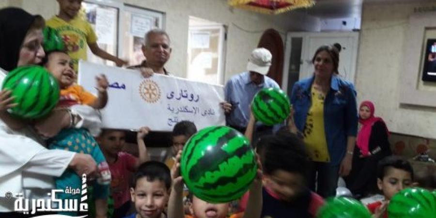 روتارى سبورتنج يزور دار بلال بن رباح للاطفال الايتام لتوزيع هدايا العيد