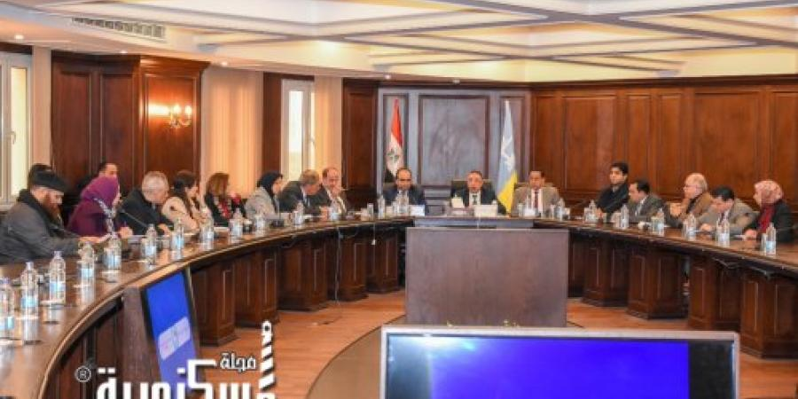 محافظ الإسكندرية يجتمع بأعضاء مجلس النواب لوضع حلول عاجلة ومستدامة لمشكلات الصرف الصحي والنظافة والعقارات المخالفة