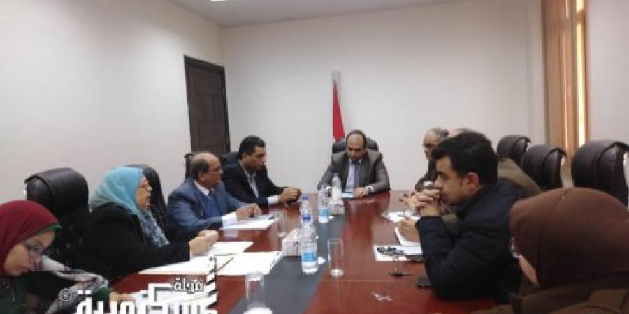 نائب محافظ الإسكندرية يناقش مستجدات مشروع تطوير البنية التحتية بحي العامرية أول