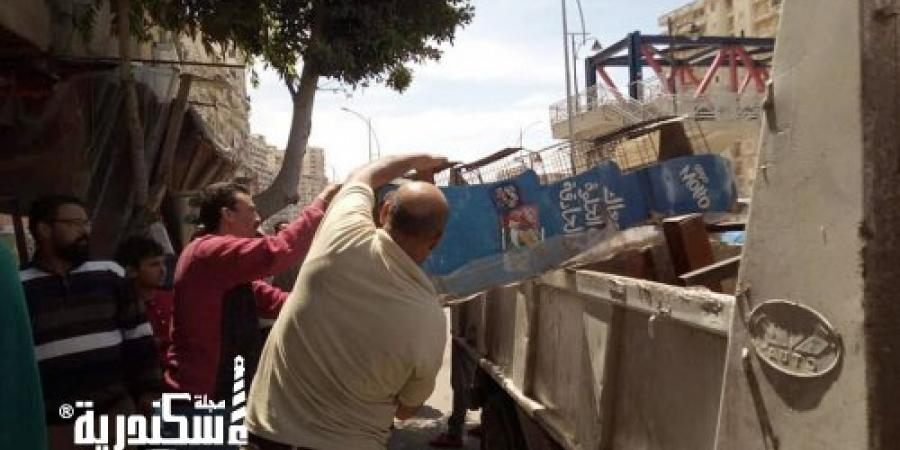 حي وسط...رفع 25 حالة إشغال في حملتين بشوارع الحي