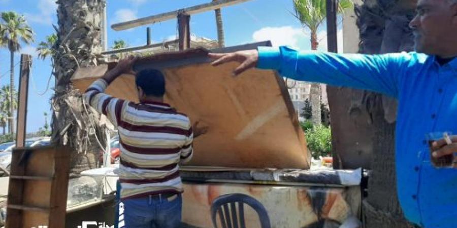 حي وسط ...حملتين لإزالة الاشغالات والتعديات تسفران عن رفع عدد ٣٥ حالة اشغال متنوع