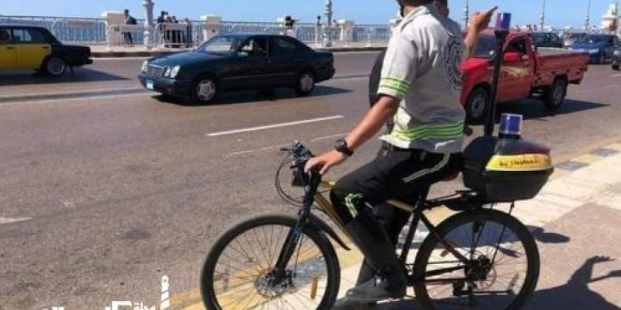مرور الإسكندرية...  تسليم دراجات هوائية لأفراد ومجندى شرطة المرور لتسهيل الحركة المرورية