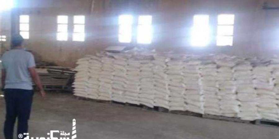 ضبط مصنع تعبئة كبريت زراعى منتهى الصلاحية في برج العرب