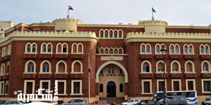 """""""صيدلة الإسكندرية"""" تستقبل فريق هيئة ضمان جودة التعليم لاعتماد 16 معملا"""