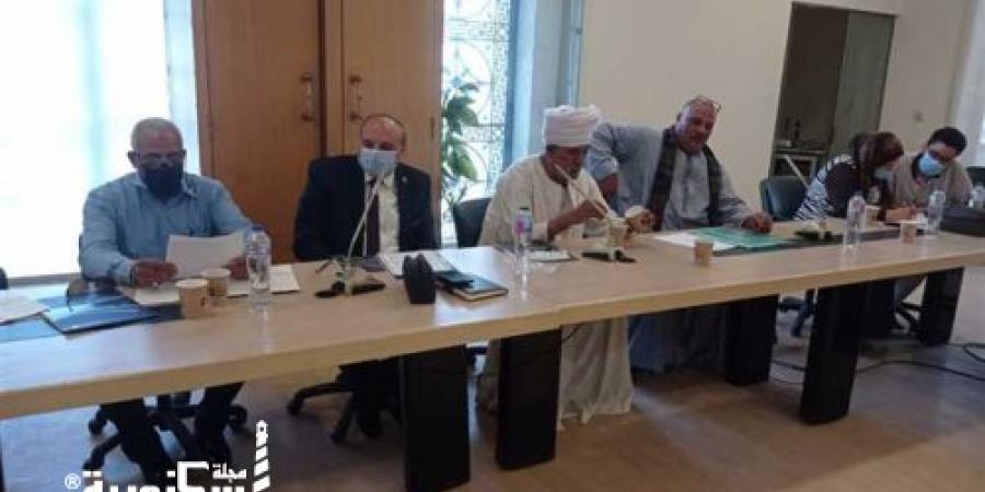 وكيل وزارة التموين يجتمع بشعبة أصحاب المخابز بالغرفة التجارية لرصد المشاكل التي تواجههم