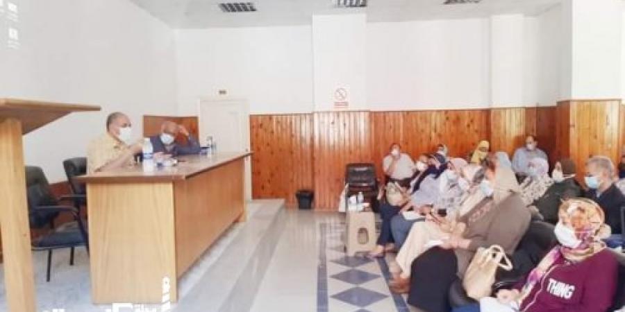 صحة الإسكندرية...اجتماع لمتابعة العمل بمستشفيات العزل ومراكز التطعيم ضد فيروس كورونا