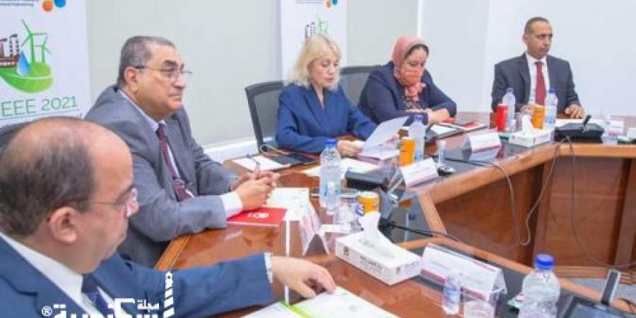 وكيل رجال أعمال الإسكندرية.....المحافظة تمثل 35% من الصناعات المختلفة و70% من الصناعات البتروكيماوية والبترولية بمصر